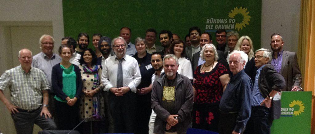 Vertreterinnen und Vertreter von mehr als zwei Dutzend Religions- und Weltanschauungsgemeinschaften